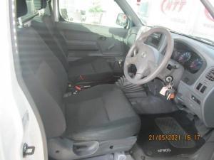 Nissan Hardbody NP300 2.5 TDi LWB 4X4S/C - Image 11