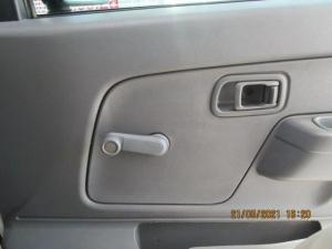 Nissan Hardbody NP300 2.5 TDi LWB 4X4S/C - Image 21