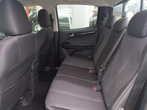 Isuzu D-Max 300 3.0TD double cab LX auto - Image 10