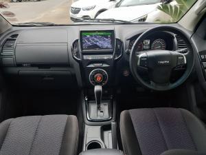 Isuzu D-Max 300 3.0TD double cab LX auto - Image 11