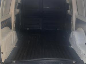 Volkswagen Caddy Maxi 2.0TDI panel van - Image 9