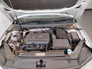 Volkswagen Passat 2.0TSI R-Line - Image 6