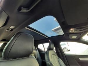 Volvo XC40 D4 AWD Momentum - Image 12