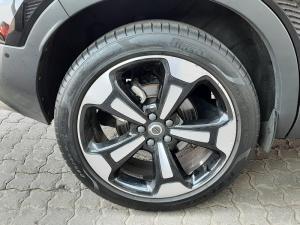 Volvo XC40 D4 AWD Momentum - Image 8