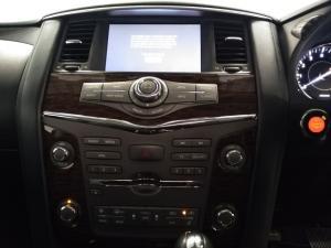 Nissan Patrol 5.6 V8 LE Premium 4WD - Image 12