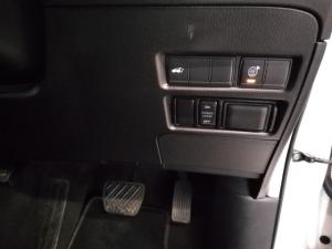 Nissan Patrol 5.6 V8 LE Premium 4WD - Image 15