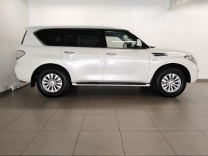 Nissan Patrol 5.6 V8 LE Premium 4WD - Image 2