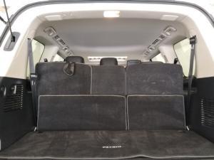 Nissan Patrol 5.6 V8 LE Premium 4WD - Image 5