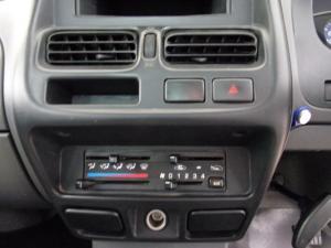 Nissan NP300 Hardbody 2.5TDi 4x4 mid - Image 13