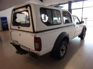 Nissan NP300 Hardbody 2.5TDi 4x4 mid - Image 5
