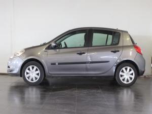 Renault Clio 1.6 Yahoo! - Image 2