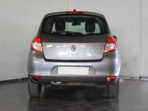 Renault Clio 1.6 Yahoo! - Image 4