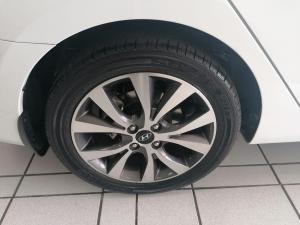 Hyundai Accent sedan 1.6 Glide - Image 13