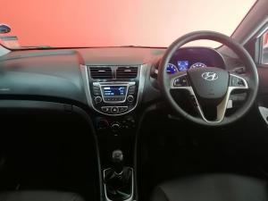 Hyundai Accent sedan 1.6 Glide - Image 5