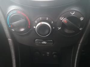 Hyundai Accent sedan 1.6 Glide - Image 9