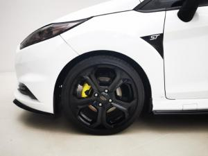 Ford Fiesta ST 1.6 Ecoboost Gdti - Image 15