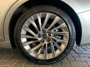 Lexus ES 300h SE - Image 6