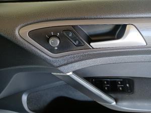Volkswagen Golf 1.4TSI Comfortline - Image 14