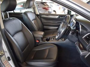 Subaru Outback 3.6 R-S ES Premium - Image 10