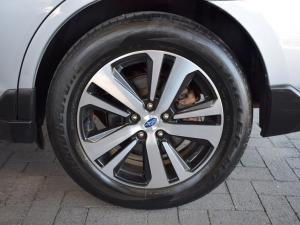 Subaru Outback 3.6 R-S ES Premium - Image 9