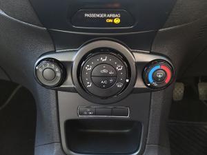 Ford Fiesta 5-door 1.0T Trend - Image 14