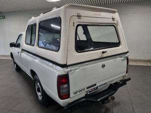 Nissan NP300 Hardbody 2 - Image 5