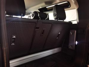 Land Rover Defender 90 D300 S - Image 16