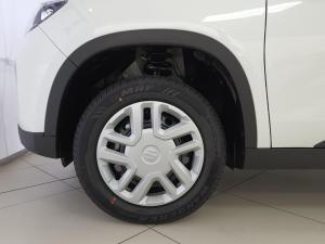 Suzuki Vitara Brezza 1.5 GL - Image 4