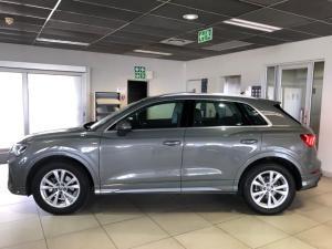 Audi Q3 35TFSI S line - Image 3