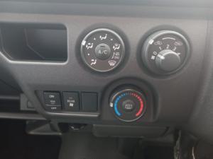 Toyota Quantum 2.5D-4D GL 14-seater bus - Image 8