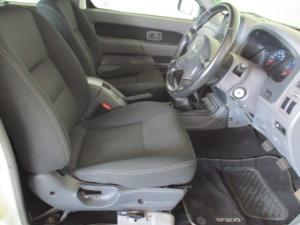 Nissan Hardbody NP300 2.5 TDi 4X4D/C - Image 11