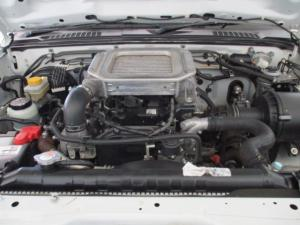 Nissan Hardbody NP300 2.5 TDi 4X4D/C - Image 12