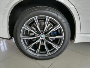 BMW X5 xDRIVE30d M Sport - Image 2