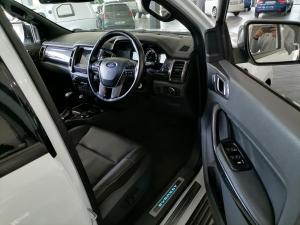 Ford Everest 3.2 Tdci LTD 4X4 automatic - Image 13