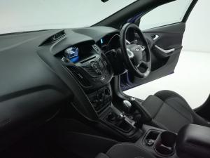 Ford Focus 2.0 Gtdi ST1 - Image 10