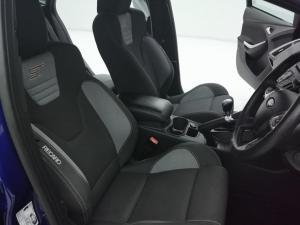 Ford Focus 2.0 Gtdi ST1 - Image 11