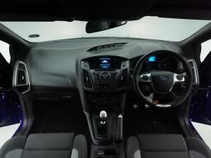 Ford Focus 2.0 Gtdi ST1 - Image 6