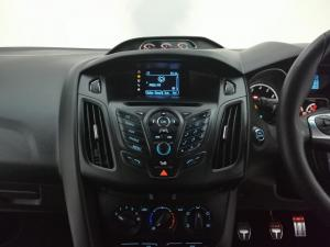 Ford Focus 2.0 Gtdi ST1 - Image 9
