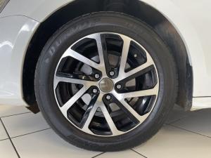 Volkswagen Jetta 1.6 Conceptline - Image 12