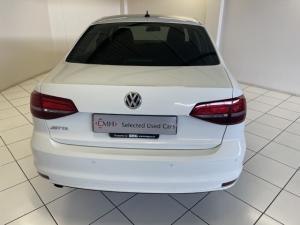 Volkswagen Jetta 1.6 Conceptline - Image 5