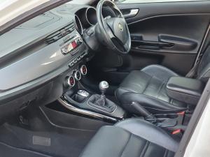 Alfa Romeo Giulietta 1.4TBi Distinctive - Image 3