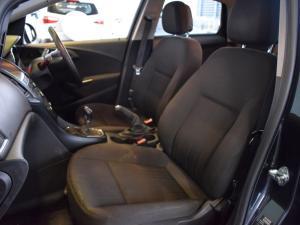 Opel Astra sedan 1.6 Essentia - Image 14
