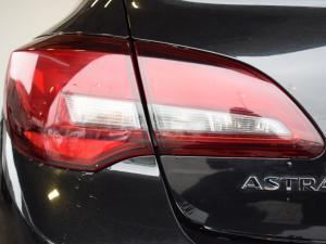 Opel Astra sedan 1.6 Essentia - Image 8