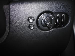 MINI Hatch Cooper Hatch 3-door auto - Image 15