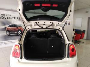 MINI Hatch Cooper Hatch 3-door auto - Image 16