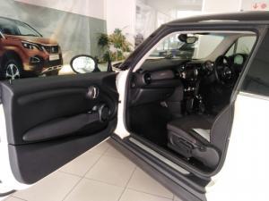 MINI Hatch Cooper Hatch 3-door auto - Image 17