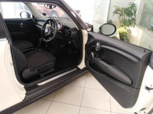 MINI Hatch Cooper Hatch 3-door auto - Image 9
