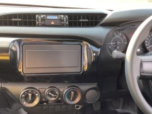 Toyota Hilux 2.4GD S (aircon) - Image 12