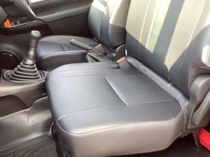 Toyota Hilux 2.4GD S (aircon) - Image 14