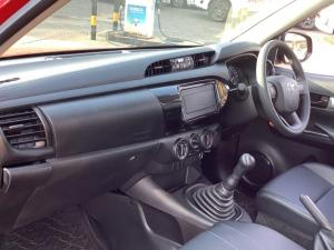Toyota Hilux 2.4GD S (aircon) - Image 5
